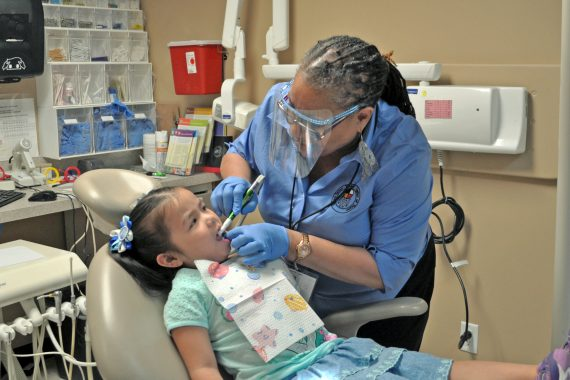 Pediatric-Dental-Exam-1-570x380